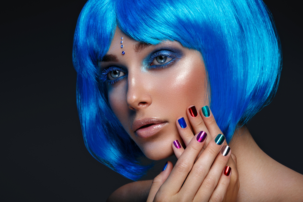woman with blue hair and amazing nails